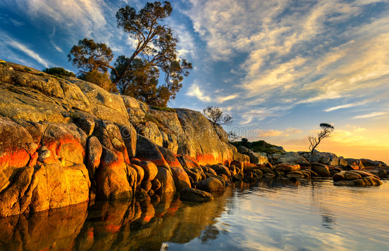 Nascer do sol na baía dos fogos foto de stock royalty free