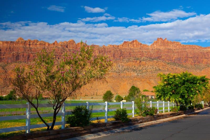 Nascer do sol na estância turística, Moab, EUA imagens de stock