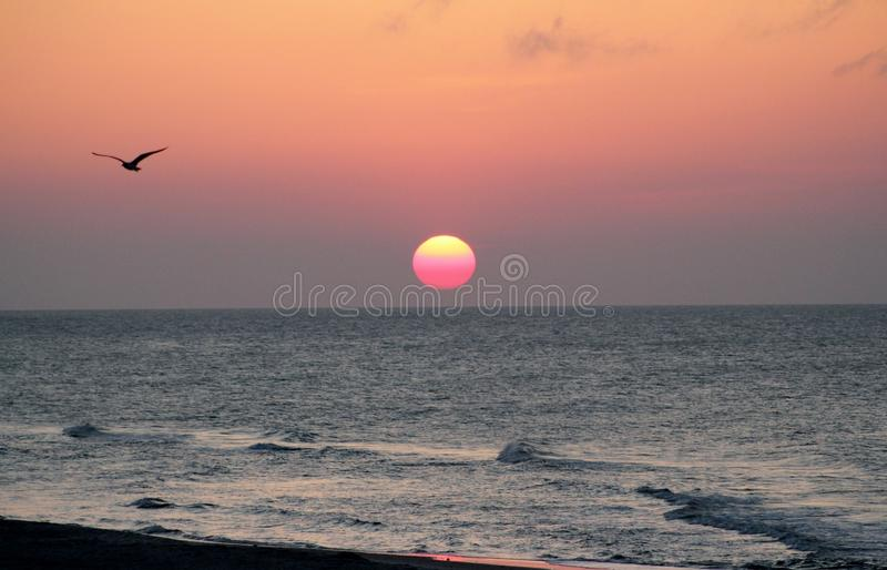Nascer do sol na Páscoa imagens de stock