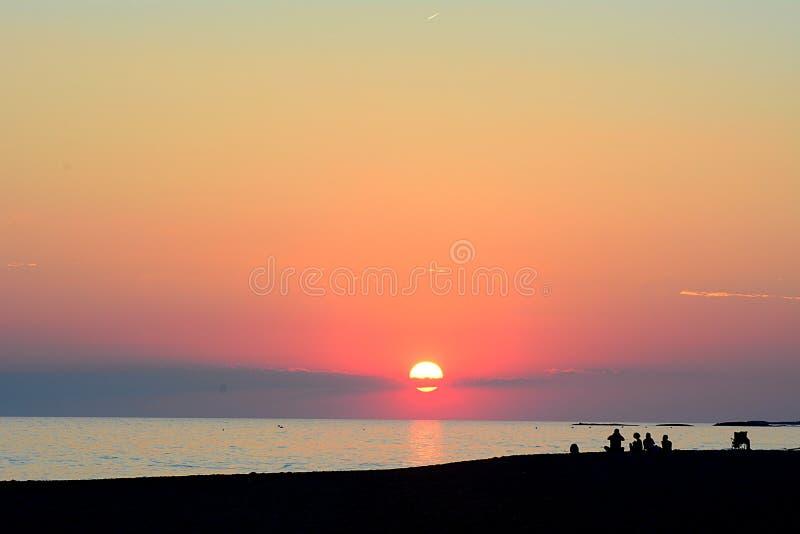 Nascer do sol na praia fotografia de stock royalty free