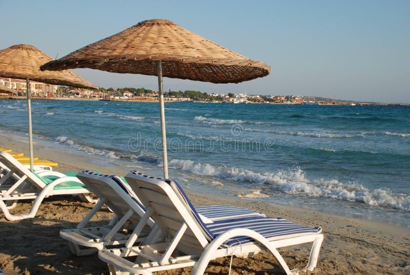 Nascer do sol na praia imagens de stock