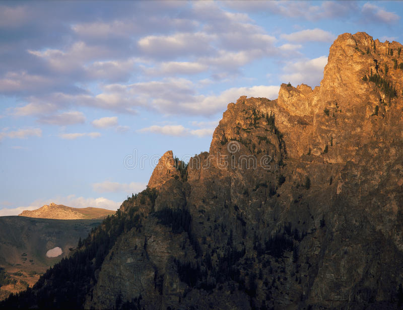 Nascer do sol nas montanhas de Beartooth, Montana do sul imagens de stock