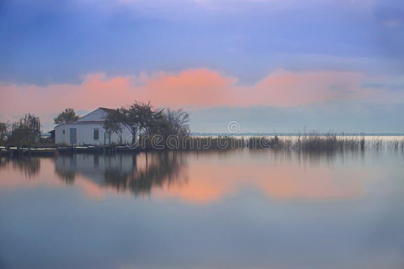 Nascer do sol no lago Albufera imagem de stock