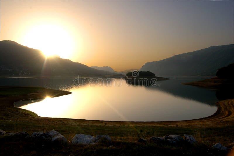Nascer do sol no lago Rama fotografia de stock royalty free