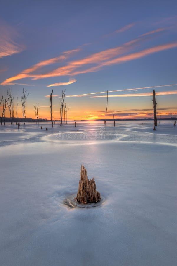 Nascer do sol no reservatório de Manasquan em New-jersey fotos de stock