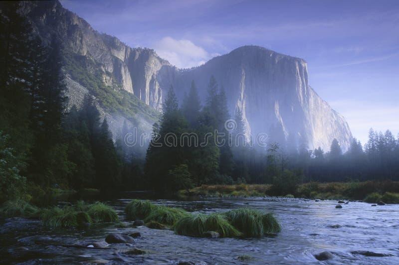 Nascer do sol no vale de Yosemite foto de stock