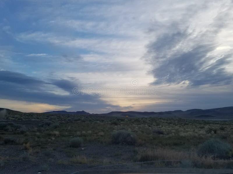 Nascer do sol nublado em Nevada imagem de stock