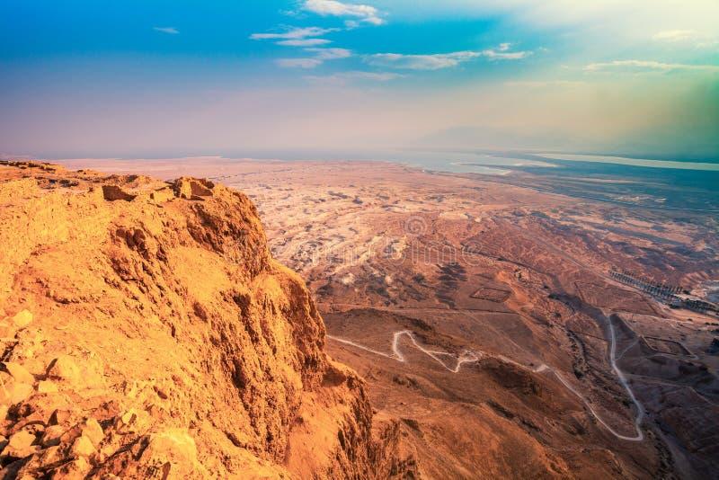 Nascer do sol sobre a fortaleza de Masada imagens de stock
