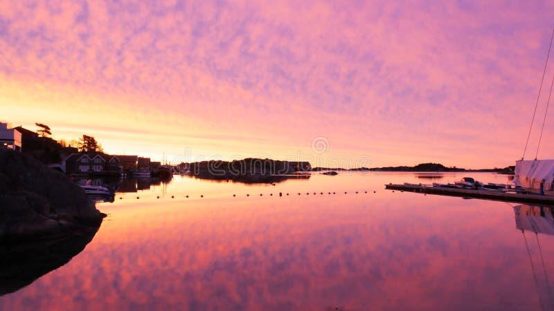 Nascer do sol sobre o oceano fotografia de stock