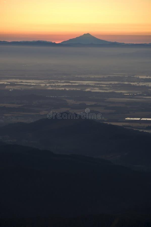 Nascer do sol sobre o vale de Willamette, Oregon fotografia de stock