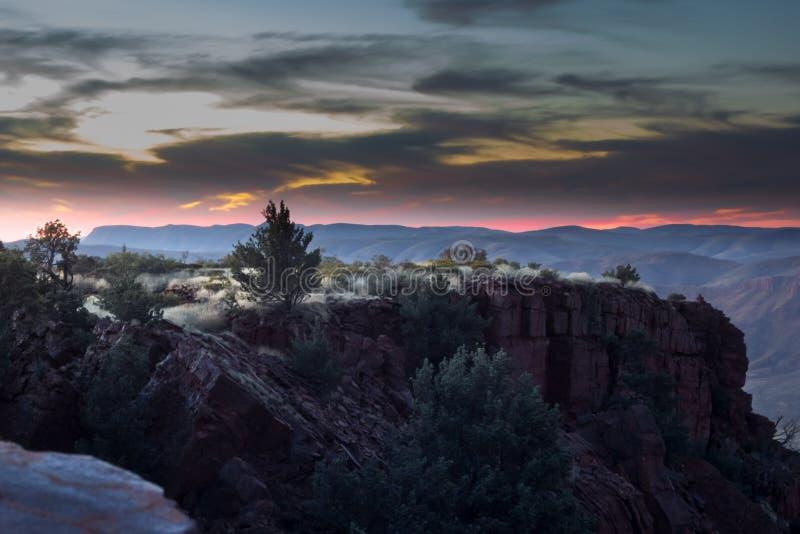 Nascer do sol sobre os clifs, montagem Bruce West Australia fotos de stock royalty free