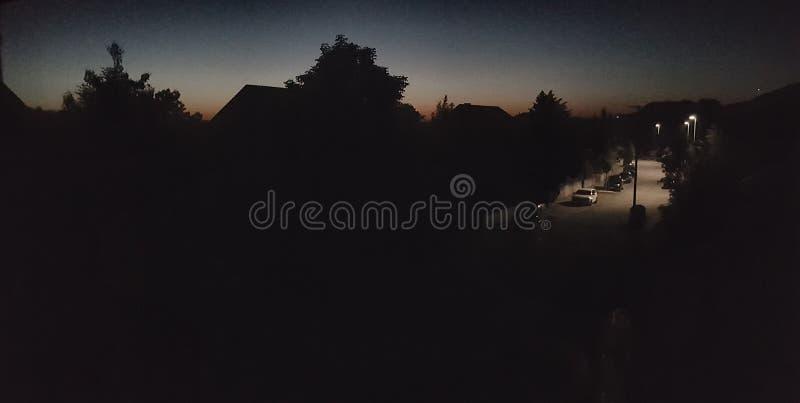 Nascer do sol sobre a vila fotografia de stock royalty free