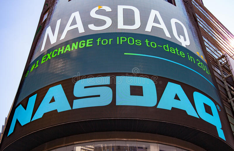 NASDAQ-Anschlagtafel bei Time Square stockbilder
