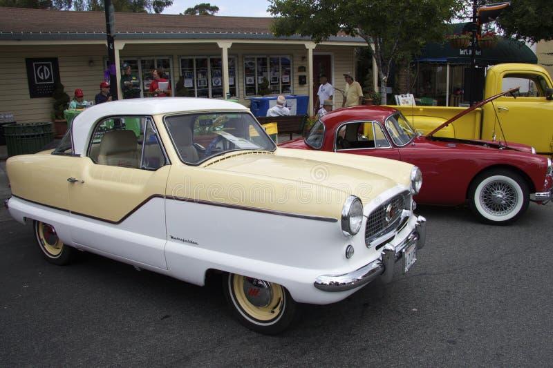 Nash Metropolitan 1961 på Car Show fotografering för bildbyråer
