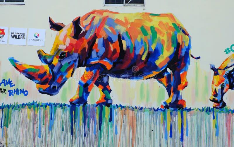 Nashorn durch Graffitikunst, Nashornmalerei lizenzfreies stockbild