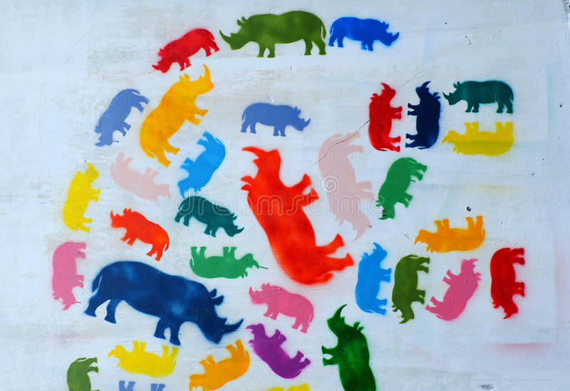 Nashorn durch Graffitikunst, Nashornmalerei lizenzfreie stockfotos