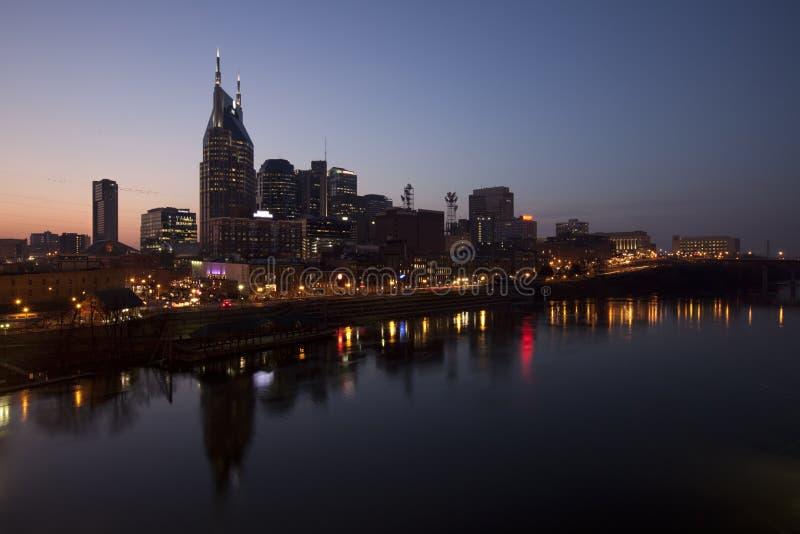 Nashville céntrica en la noche fotos de archivo libres de regalías