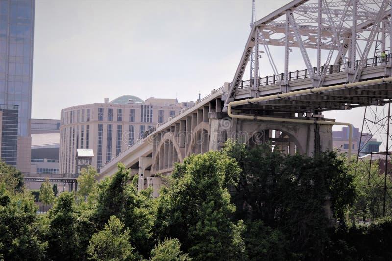 Nashville fot- gatabro royaltyfri fotografi