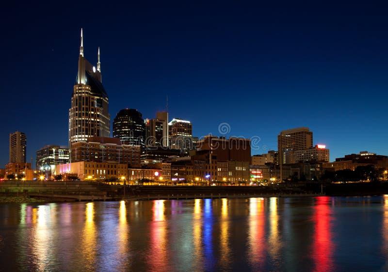 Nashville nachts lizenzfreie stockbilder
