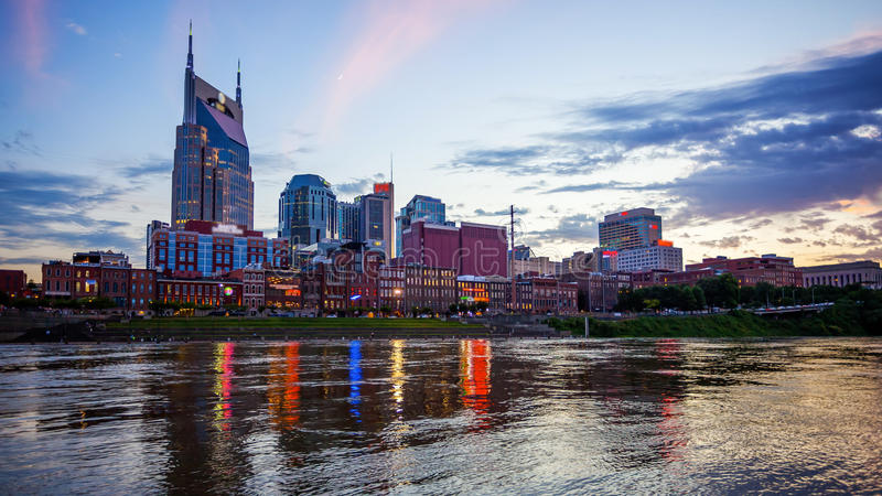Nashville, Tennessee Cityscape Skyline Across The Cumberland Riv images stock