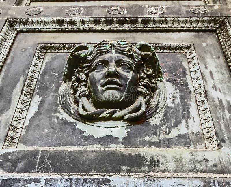 Nashville, TN EUA - parque centenário o detalhe da porta da réplica do Partenon imagens de stock royalty free