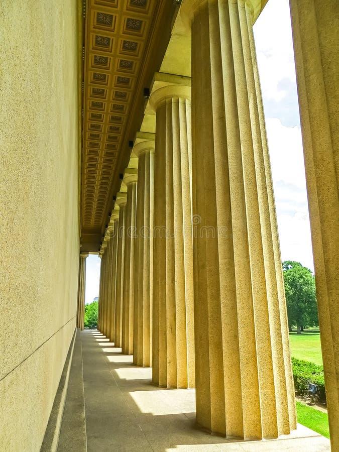 Nashville, TN los E.E.U.U. - parque centenario las columnas de la reproducción del Parthenon imagen de archivo libre de regalías