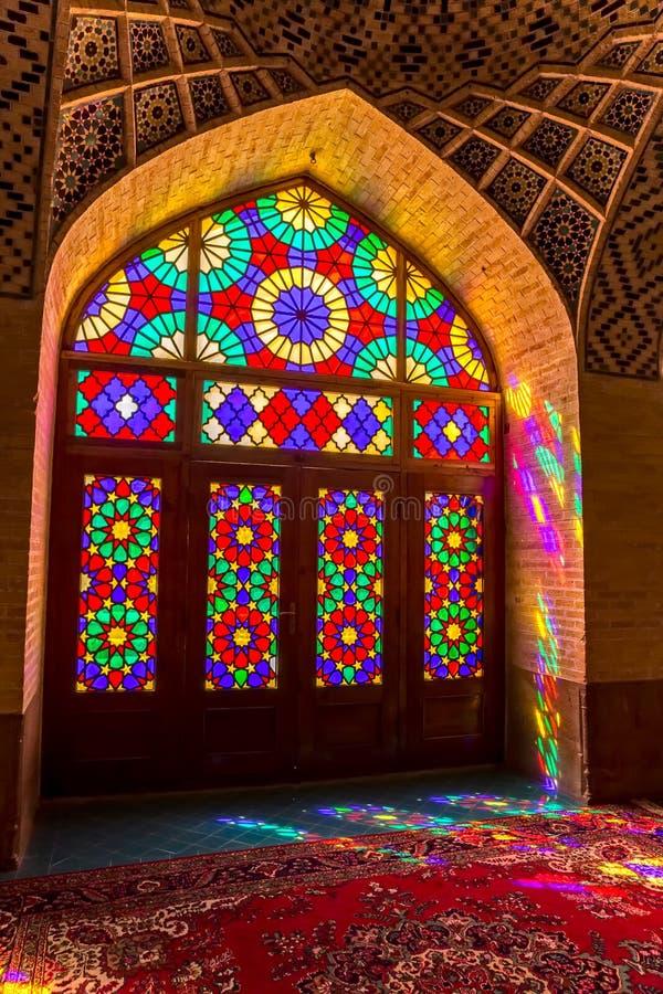 Nasir Al-Mulk Mosque dörr royaltyfri foto