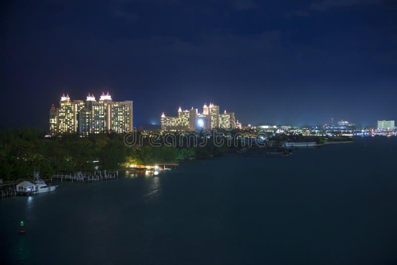 Nassau, bahamas na noite fotografia de stock royalty free