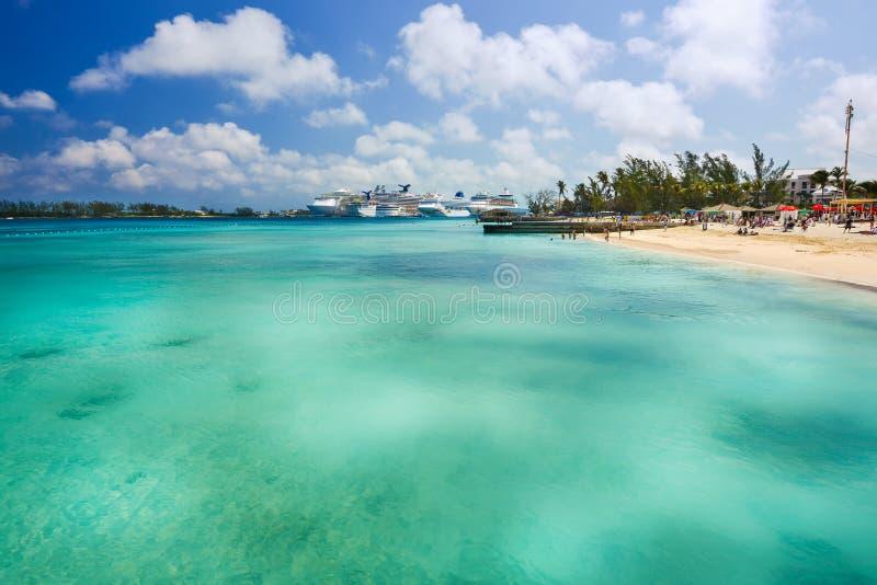 Nassau Bahamas privat strand royaltyfri foto