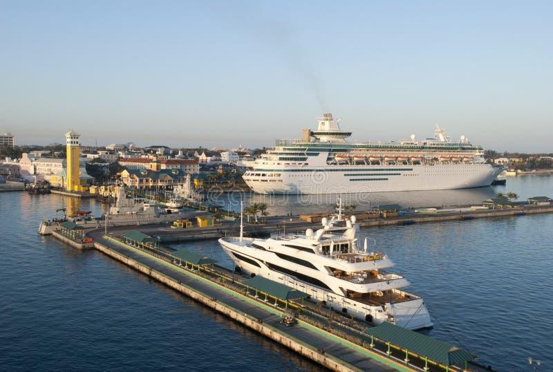 Nassau miasta port Przy świtem fotografia royalty free