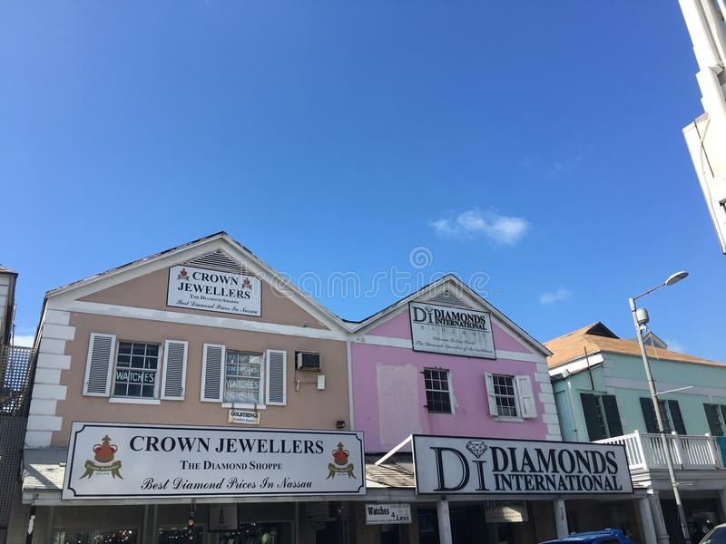 Nassau rosa orange hus arkivbild