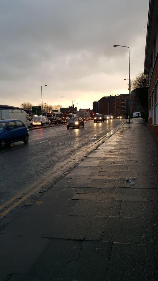 Nasse Straßen stockfoto