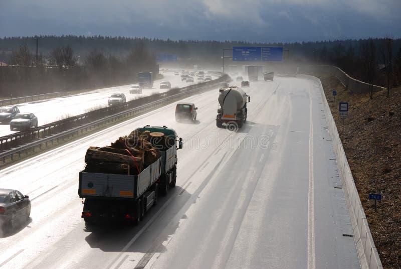 Nasser Autobahn stockbild