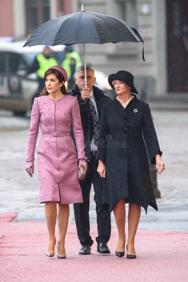 Następczyni Tronu Mary Elizabeth i Pierwszy Latvia dama Dani, Iveta Vejone obraz stock