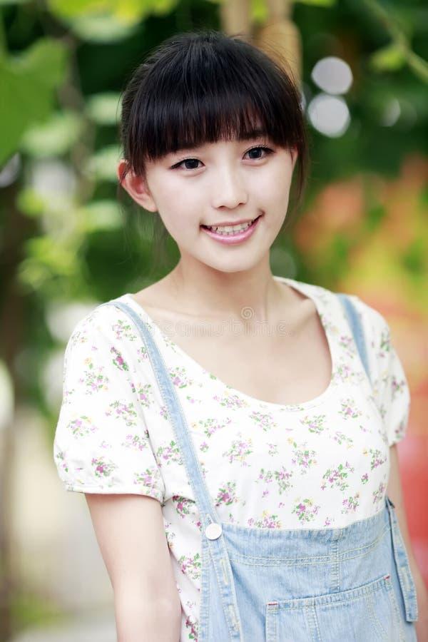 następnie plenerowa drzwiowa Asia dziewczyna fotografia royalty free