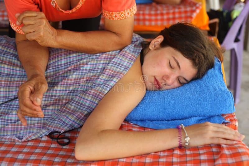 Nastolatka nagi masaż