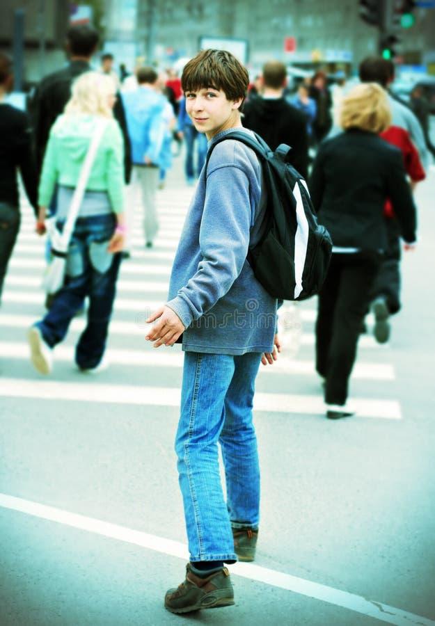 Nastolatek w mieście fotografia stock