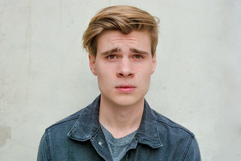 Nastolatka młodego człowieka portreta model zawodzący zdjęcie royalty free