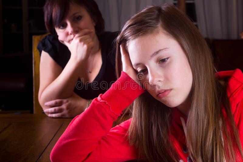 nastolatka macierzysty spęczenie obrazy stock