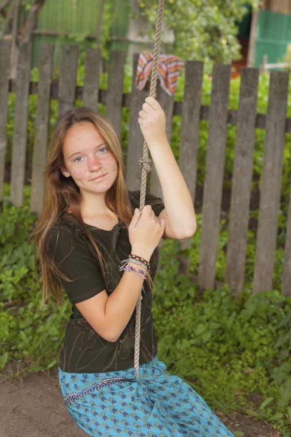Stopy nagie dziewczyny zdjęcie stock. Obraz złożonej z