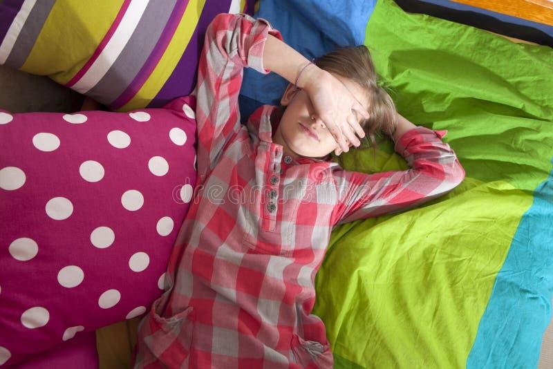 Nastoletni dziewczyny frustraci płacz zdjęcie royalty free