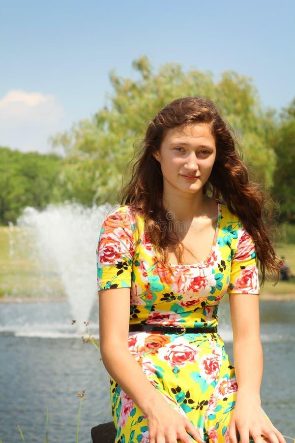 Nastoletni w parku zdjęcia stock