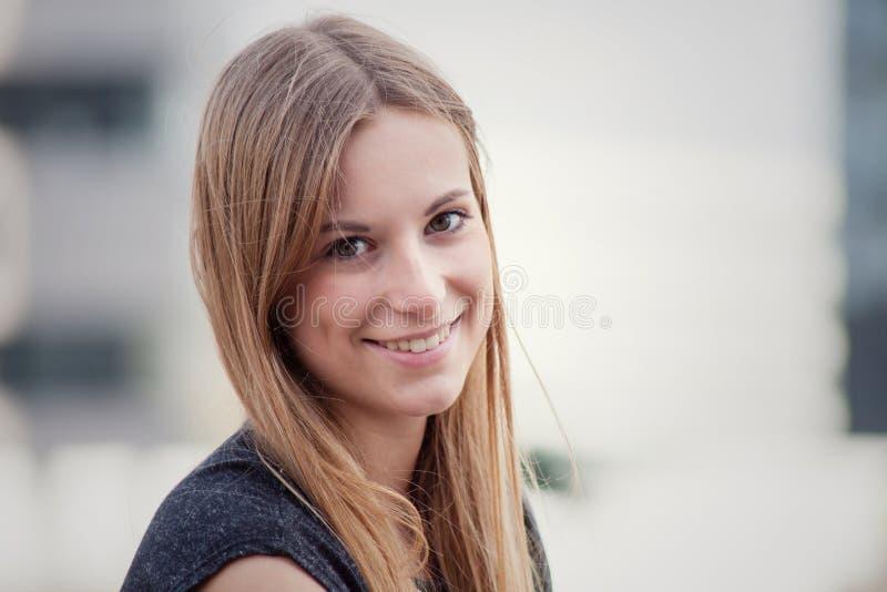 nastoletnia atrakcyjna dziewczyna fotografia royalty free