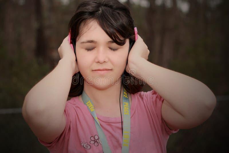 Kochająca muzyczna dziewczyna zdjęcia stock