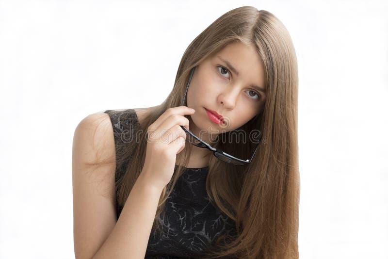 Nastoletnia dziewczyna z szkłami zdjęcie royalty free