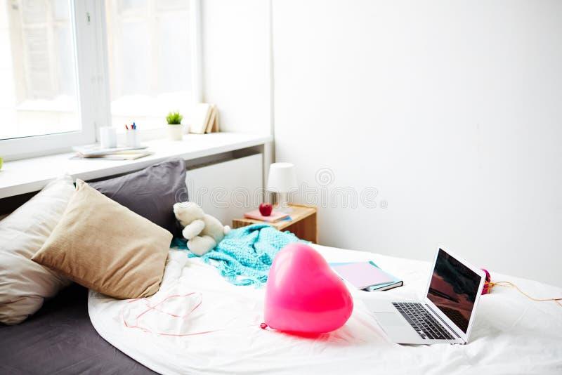 Nastoletnia dziewczyny sypialnia zdjęcia stock