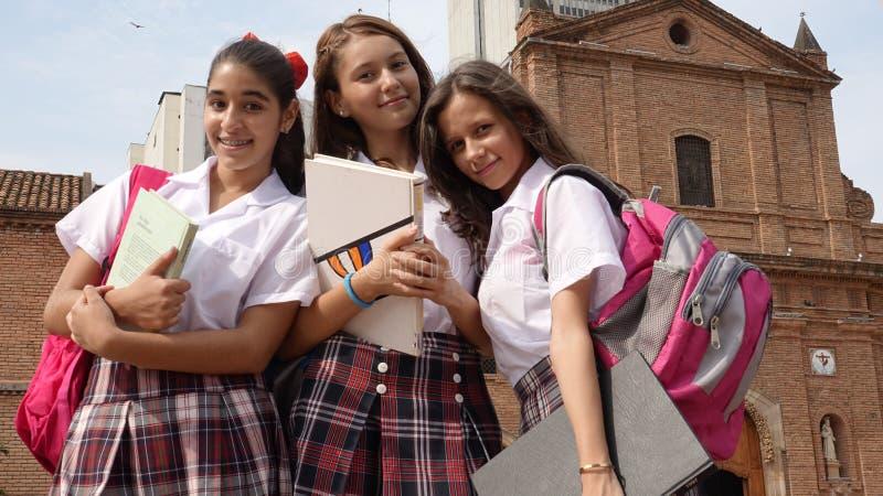 Nastoletnie Katolickiej szkoły dziewczyny zdjęcie stock
