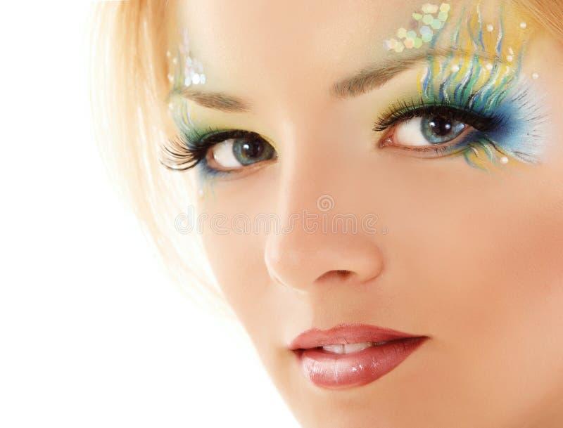 Nastoletniej dziewczyna makijażu syrenki piękny odosobniony na bielu zdjęcie stock