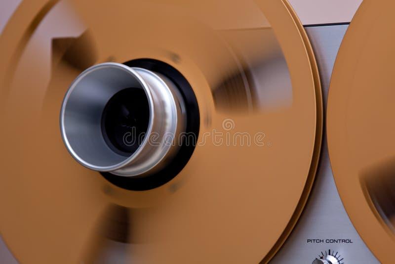 Nastro delle bobine del metallo per la registrazione del suono professionale fotografia stock libera da diritti