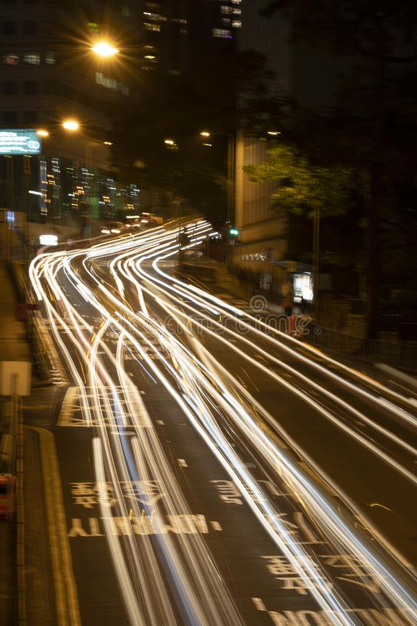 Natężenie ruchu drogowego światła na drodze obrazy stock